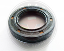 4EAT SUBARU AXLE SEAL - RIGHT